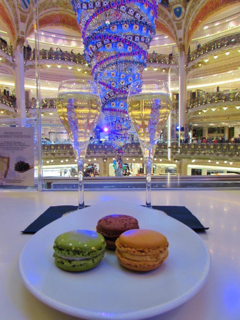 Yesihaveablog | Christmas in Paris | Galleries La Fayette | 24 hours in Paris | Winterlust